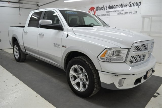 2014 ram 1500 laramie crew cab safety kansas city jeep chrysler dodge ram dealership. Black Bedroom Furniture Sets. Home Design Ideas